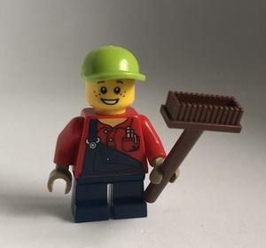 即決 新品 未使用 レゴ LEGO ミニフィグ タウン オーバーオールの男の子 こども デッキブラシ ミニフィギュア  シティ