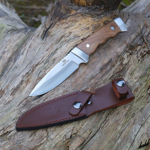 【重量バランスが良く手になじむ】 シースナイフ 狩猟刀 フルタング構造 ドロップポイント ステンレス鋼 キャンプ サバイバル