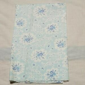 ハギレ生地 花柄 青色 V