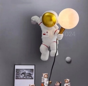 新入荷☆超人気 宇宙飛行士 壁掛け照明 壁掛け灯 インテリア照明 壁掛け灯 高級照明