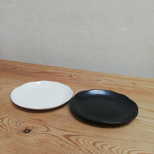◆小皿 2枚セット ブラックとホワイト◆取皿 取り皿 プレート お皿 シンプル おしゃれ 耐熱食器 電子レンジ対応 日本製