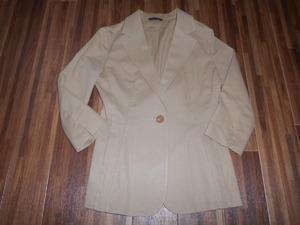 ◆LE SOUK◆サイズ3/9号 ルスーク・ベージュの七分袖ジャケット ストレッチあり 送料510円 used