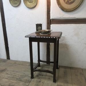 イギリス アンティーク 家具 SALE セール オケージョナルテーブル サイドテーブル 飾り棚 花台 木製 オーク 英国 SMALLTABLE 6004c 特価