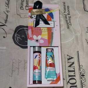 ロクシタン チェリーライム ミスト&ハンド ギフト  プレゼント 化粧水 クリーム  ハンドクリーム ギフトボックス 紙袋付き