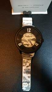 ★ Tendence テンデンス 迷彩柄時計 美品