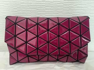三宅一生三宅一生ISSEY MIYAKE バオバオ(BAOBAO)グランチバッグ ショルダーバッグ 日本製 美品 濃いピンク クリスタル CRYSTAL