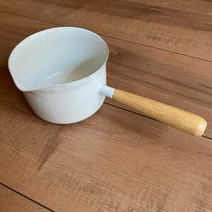 新品 ホーロー ミルクパン 持ち手 木柄 手鍋 琺瑯 小鍋