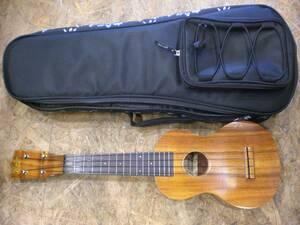 良品 Famous FS-5 ウクレレ&MAHALO ソフトケース フェイマス 楽器