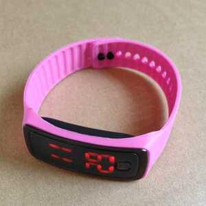 ◆LED 腕時計 スポーツウォッチ 高精細デジタルスクリーン ブレスレット時計 ピンク