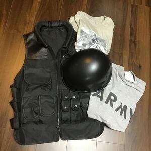 まとめ売り/軍モノ風セット/ベスト&Tシャツ2枚&ジャーマン風ヘルメット/サバゲー/ジャンク