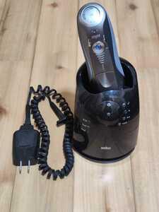 BRAUN ブラウン シェーバー シリーズ7 750cc-4 洗浄器 98636137 替刃 F/C 70S シェーバー本体はジャンク品