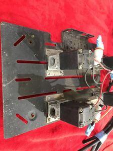 エアサス用電磁弁マウント一部配管付き