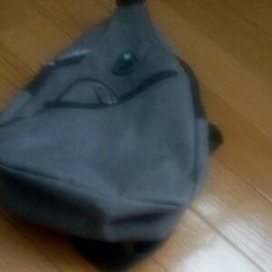 バッグで携帯充電 USBポート搭載 ケーブル付 ボディバッグ メンズ バッグ ワンショルダー ボディーバッグ 軽量 斜めがけ