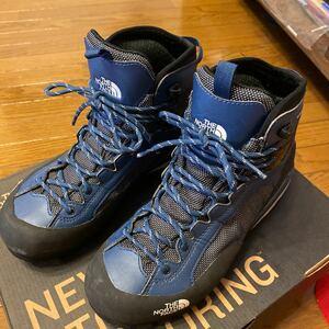 登山靴(THE NORTH FACE)
