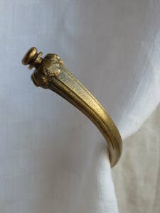 フランスアンティーク カーテンフック カーテンホルダー ブロンズ 青銅 蚤の市 ブロカント レリーフ ゴールド 1880年 19世紀