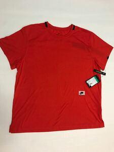 NIKE 赤いトレーニングシャツ CV7822
