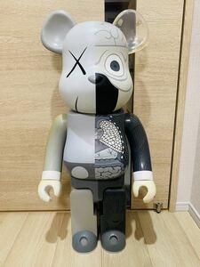 入手困難 美品 BE@RBRICK ベアブリック KAWS 人体模型 グレー 1000% カウズ コンパニオン Original Fake COMPANION オリジナルフェイク
