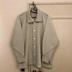 homme plisse ボタンシャツ