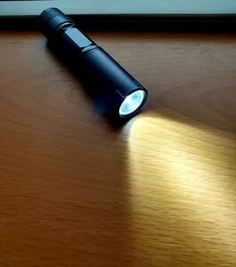 LEDハンディライト 懐中電灯 単3電池 LED懐中電灯 ジャンク