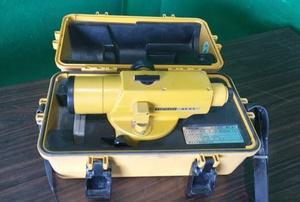 (送料無料 沖縄・離島除く) 東京光学機械(株)TOPCON トプコンオートレベル AT-F1 ■A-1615