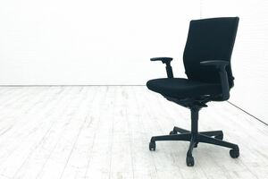エスクードチェア オカムラ 中古 エスクード 事務椅子 オフィスチェア ブラック 中古オフィス家具 OKAMURA 可動肘 ハイバック