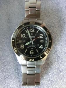 D924 カシオ OVERLAND メンズ時計 OVW-110