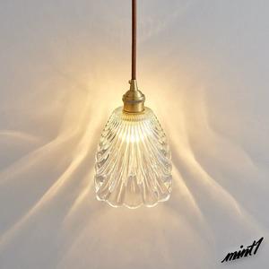 【動きのある綺麗な灯り】 花のような陰影 ペンダントライト 天井照明 ガラス アンティーク 簡単 工事不要 引掛けシーリング LED対応