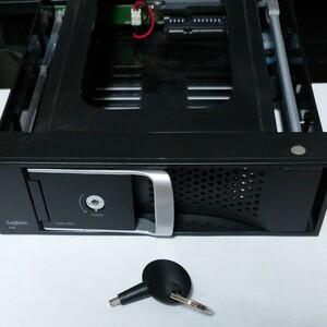 ロジテック 内蔵型HDDリーダーライタ 3.5インチ SATA接続 冷却ファン搭載 5インチベイ内蔵型LHR-IS01RD