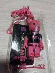 新品未開封 BE@RBRICK ベアブリック HMV 100% MEDICOM TOY メディコムトイ ピンク 黒ポロシャツ 2005年