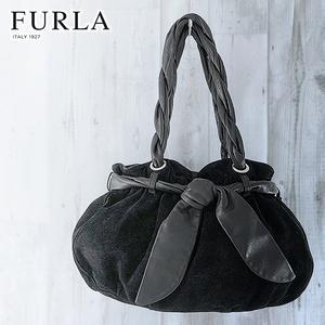 FURLA 肩掛け ヌバック レザー 巾着 トート バッグ 黒 丸 ラウンド ハンド スエード ブラック リボン 円形 ビッグ 本革 カジュアル フルラ