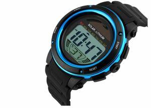 送料無料 ソーラー スポーツ ウォッチ メンズ  腕時計 5Bar 防水 デジタル