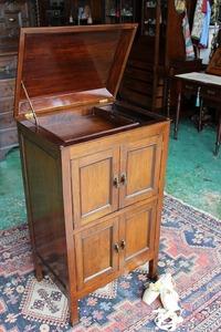 イギリスアンティーク家具 ミュージックキャビネット キャビネット 英国製 j185