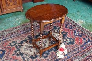 イギリスアンティーク家具 テーブル オケージョナルテーブル サイドテーブル テーブル  英国製 j189