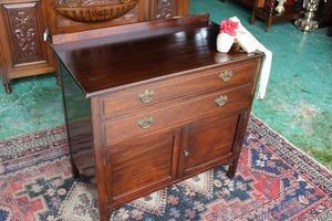 イギリスアンティーク家具 チェスト キャビネット 英国製 j153