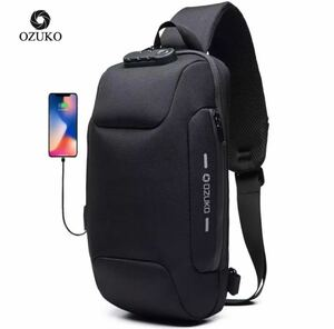 ボディバッグ メンズ USBポート付き 防水 ショルダーバッグ 新品