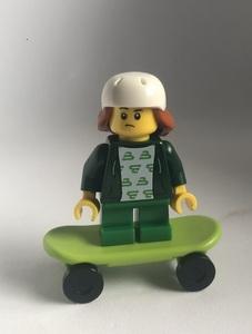 即決 新品 未使用 レゴ LEGO ミニフィグ タウン スケボー 女の子③ スケーター スケートボード ミニフィギュア シティ