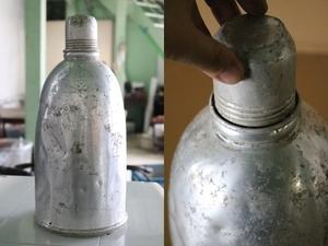 TB526アルミ製 使い込まれた水筒◇ドライフラワーなどに/オブジェ/容器/インテリア/ビンテージ/雑貨/ディスプレイ/古道具タグボート