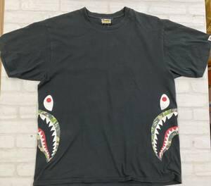 ■ A BATHING APE アベイシングエイプ サイドシャーク サイド 半袖 Tシャツ 猿 カモ 2XL ブラック