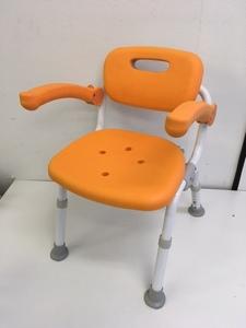 ■Panasonic パナソニック エイジフリー シャワーチェア 介護用 折りたたみ 肘掛け椅子 オレンジ PN-L41321■