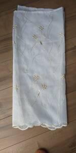 カフェカーテン オフホワイト レース 刺繍 カットワーク ゴールド ハンドメイド クリップタイプ