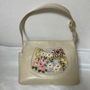 花柄刺繍バッグ