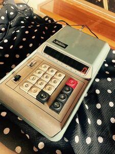 昭和レトロ 計算機 1972年発売 UMC TC-8 電卓