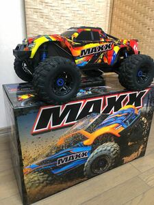 トラクサスmaxx traxxas maxx モンスタートラック ラジコン