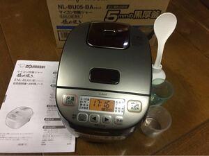 美品 象印 マイコン炊飯ジャー 3合 極め炊き 5mm黒厚釜 NL-BU05