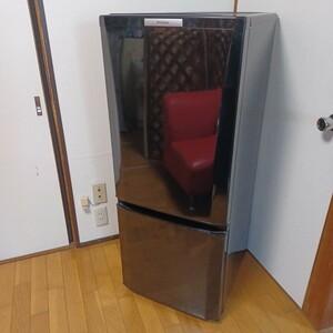 冷蔵庫/146L/MITSUBISHI/三菱/MR-P15W-B/人気のブラック/静音設計/LED庫内灯/2013年式/霜取り不要