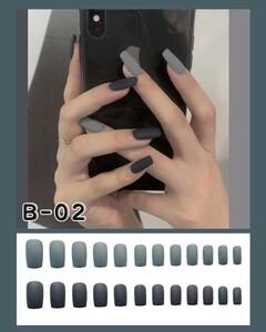 ネイルチップ マット ロング グレー&ブラック B-02 粘着テープ別途売り