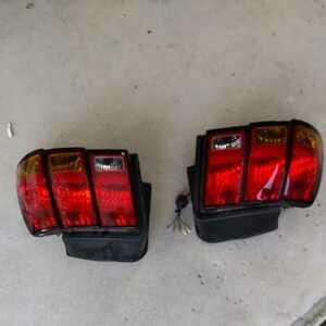 テールランプ フォードマスタング、純正、取り外し品、平成16年式からの