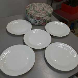 陶器類1】エレガント オシャレ プレート5客セット★デザート皿★サラダ 洋食器 取り皿 白/ホワイト 金縁 皿 食器 花柄ケース入り