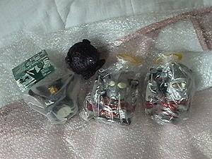 ウルトラマン ソフビ貯金箱2種(新品、ゾフィ、エース)セット+ギエロン星獣1種+タッコング1種