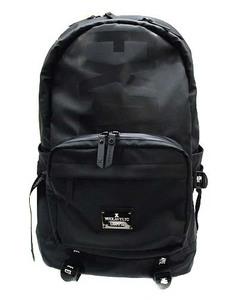 マキャベリック MAKAVELIC エグザンプル EXAMPLE 鞄 かばん リュックサック バックパック ロゴプレート プリント 黒 ホワイト 白 メンズ